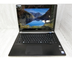 Fujitsu UH55 (13.3 in) Core i3 / 2367M / 4 CPUs /1.40GHz /  4G / HDD 320G. Made in Japan.MS:KO0409 0402