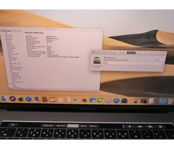 Macbook Pro  Retina 15.4'' 2017 Touch Bar - Touch ID (Four Thunderbolt 3 ports) Core i7 / 2.80GHz / 16G / SSD 256G Card rời AMD Radeon Pro 555 . MS:JA0513 X8LU