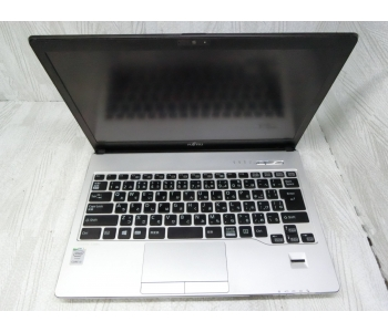 "Fujitsu LifeBook S935 13.3"" Core i5 / 5300U / 2.30GHz / 4G / SSD 128G Made in Japan. MS: KO0628 0003"